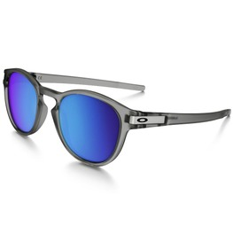 photo_Oakley Latch sunglasses Matte Grey Ink Sapphire Iridium Polarized